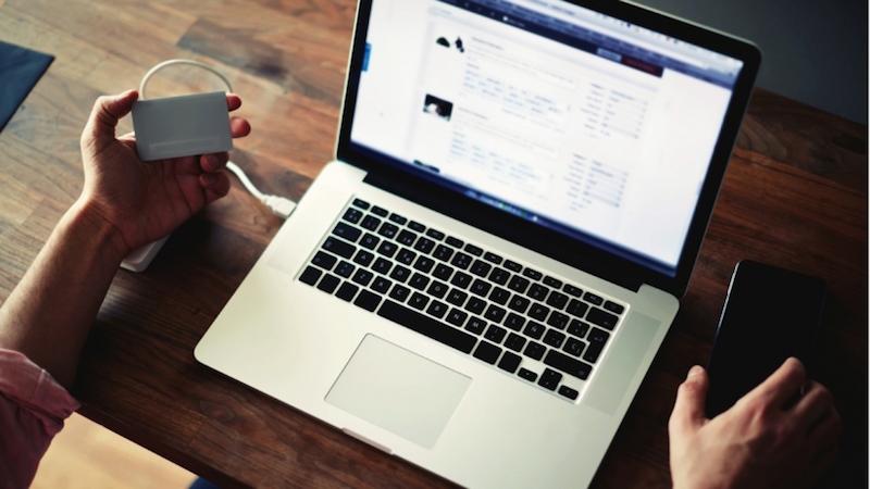 20150413170009-website-computer-work-home-desk-office-tech